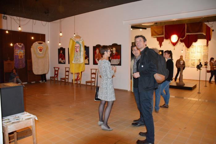 """L'ASBL La """"S"""" Grand Atelier dispose à Rencheux de belles salles d'exposition..."""