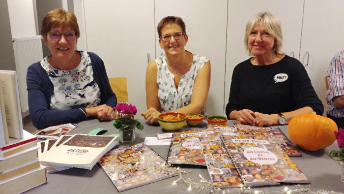 Monique Lignoul, Isabelle Grandjean et Bernadette Crahay et leurs livres sur Petit-Thier et ses habitants